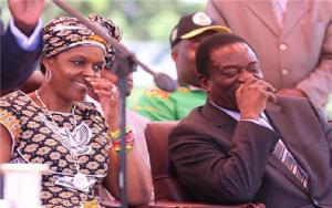 Emmerson Mnangagwa (R) and Grace Mugabe